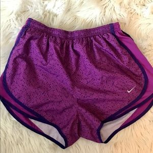 Nike Womens Dri-Fit Shorts Size Medium Purple